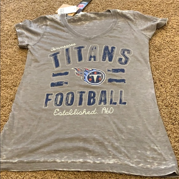 outlet store 47a1d d71ab NFL apparel Tennessee Titans women's shirt small NWT